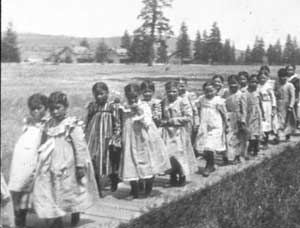 Spokane Schoolgirls, Fort Spokane, courtesy Library of Congress