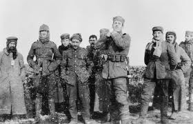 Royal Dublin Fusiliers With German Soldiers on Boxing Day 1914, courtesy Imperial War Museums